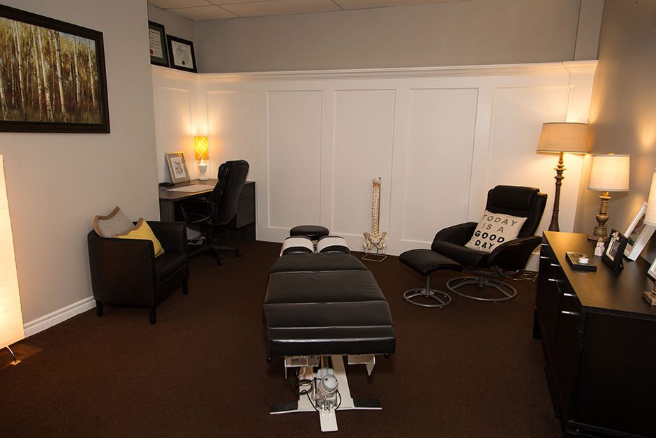 Chiropractic-office-940
